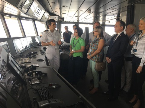 Le yacht francais Le Laperouse en escale a Ho Chi Minh-Ville hinh anh 1