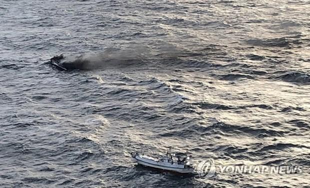 Le gros temps complique la recherche des disparus du Daesong hinh anh 1