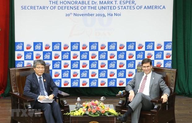 Le secretaire americain a la Defense rencontre des etudiants vietnamiens hinh anh 1