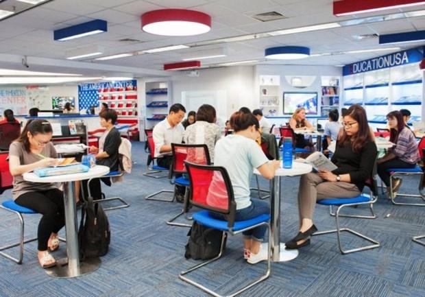 Les etudiants vietnamiens contribuent a pres d'un milliard de dollars a l'economie americaine hinh anh 1