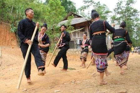 Hanoi: Promouvoir la musique de l'ethnie Kho Mu hinh anh 1