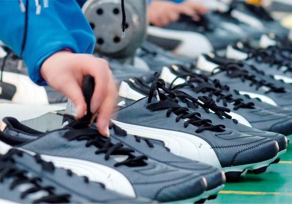 Chaussures et sacs: l'objectif annuel de 21,5 milliards de dollars d'exportation devrait etre depasse hinh anh 1