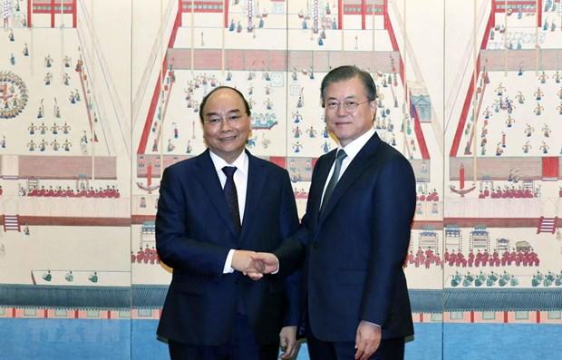 Entretien Nguyen Xuan Phuc et Moon Jae-in a Seoul hinh anh 1