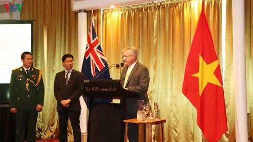 Le 75e anniversaire de l'APV fete a Singapour et en Nouvelle-Zelande hinh anh 2