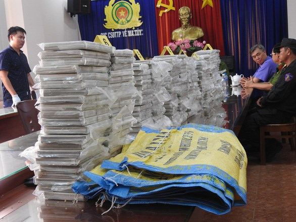 Un grand reseau transnational de trafic de drogue demantele hinh anh 1
