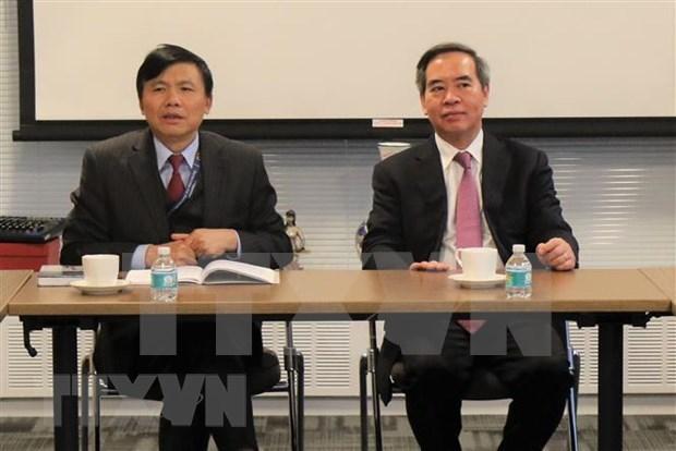 Un responsable du PCV travaille avec la delegation vietnamienne a l'ONU hinh anh 1
