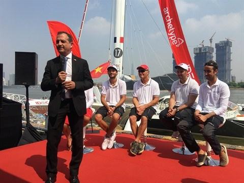 Le voilier le plus rapide du monde a jete l'ancre a Ho Chi Minh-Ville hinh anh 2