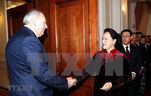Entrevue entre la presidente de l'AN du Vietnam et le Premier ministre bielorusse hinh anh 1