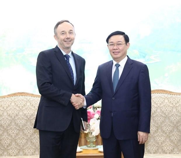 Le gouvernement s'engage a faciliter les activites a long terme de Nike au Vietnam hinh anh 1