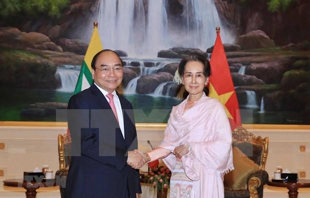 Le PM Nguyen Xuan Phuc termine sa visite officielle au Myanmar hinh anh 1