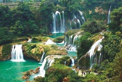 A Lao Cai, la cascade d'Argent s'offre en spectacle hinh anh 1