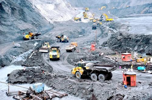 Vinacomin vise a produire 40,5 millions de tonnes de charbon en 2020 hinh anh 1