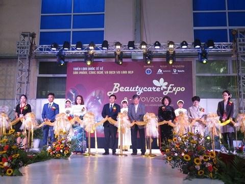 L'industrie de la beaute a l'honneur a Hanoi hinh anh 1