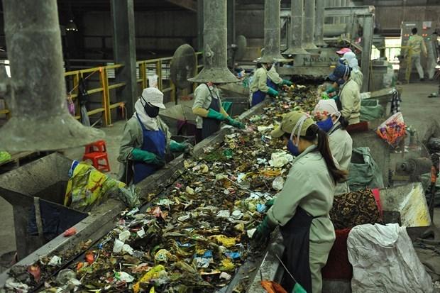 Ho Chi Minh-Ville change de methode de tri des dechets hinh anh 1