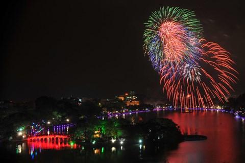 Nouvel An du Rat: Hanoi tirera des feux d'artifice sur 30 sites hinh anh 1
