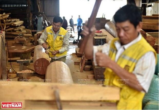 A Chang Son, le village qui perpetue l'habitat traditionnel en bois hinh anh 2