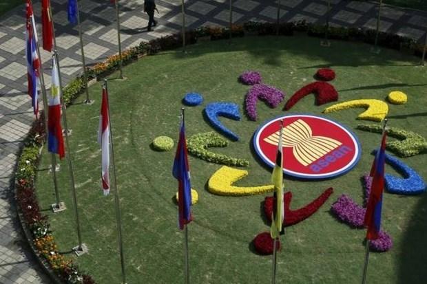 Les hauts responsables economiques de l'ASEAN se reunissent a Hanoi hinh anh 1