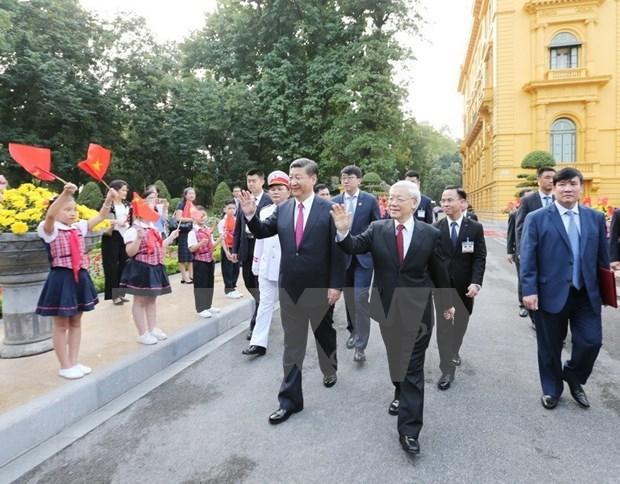 Vietnam-Chine: Messages de felicitations pour les 70 ans de l'etablissement des liens diplomatiques hinh anh 1