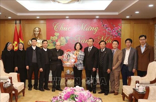 Truong Thi Mai recoit une delegation du diocese de Hung Hoa hinh anh 1