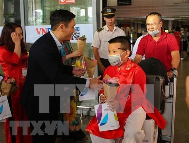Da Nang accueille les premiers visiteurs du Nouvel An lunaire hinh anh 1