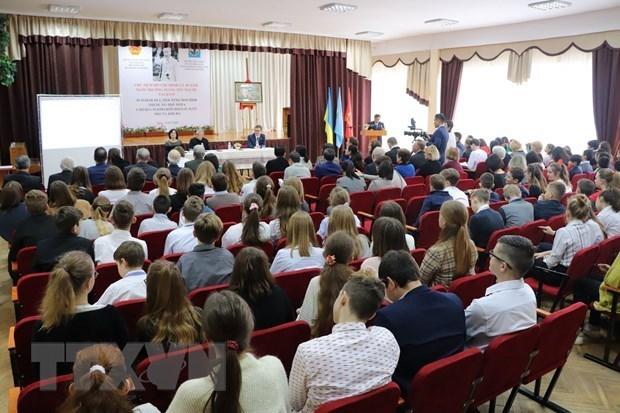 Atelier sur le president Ho Chi Minh organise en Ukraine hinh anh 1