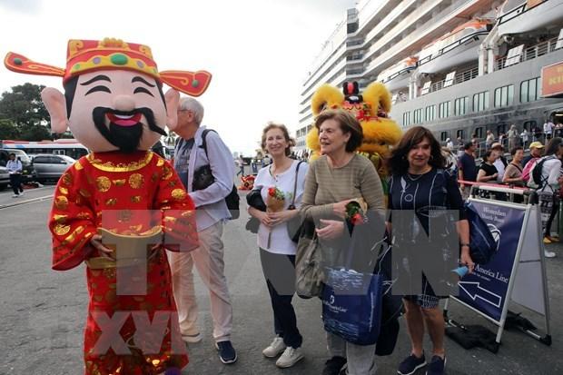 Pres de 2 millions de touristes etrangers au Vietnam en janvier hinh anh 1