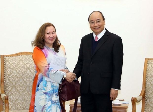 Le PM Nguyen Xuan Phuc recoit les ambassadeurs de Malaisie et d'Armenie hinh anh 1