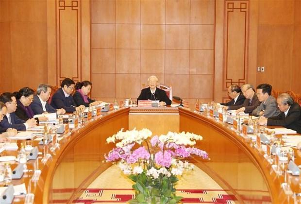 Le president demande de peaufiner les documents du 13e Congres national du Parti hinh anh 2