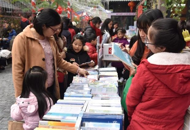 Les Vietnamiens, entre jouissance du reel et plaisir du livre hinh anh 3