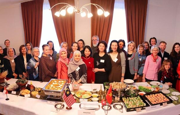 L'ASEAN presente la culture en Ukraine hinh anh 1