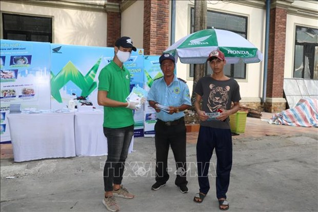 Des travailleurs de Can Tho participe aux efforts de prevention de COVID-19 hinh anh 1