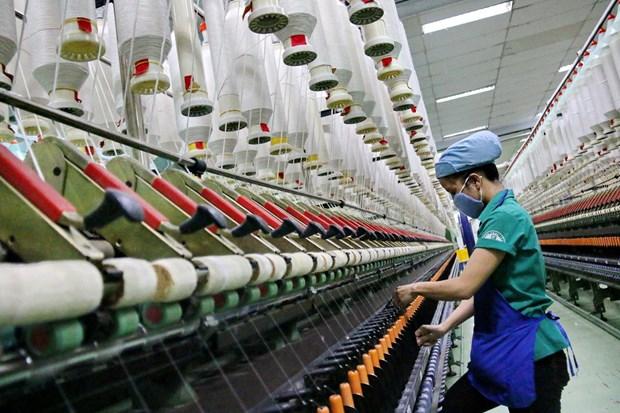 Le COVID-19 complique l'approvisionnement en matieres premieres du textile et de la chaussure hinh anh 1