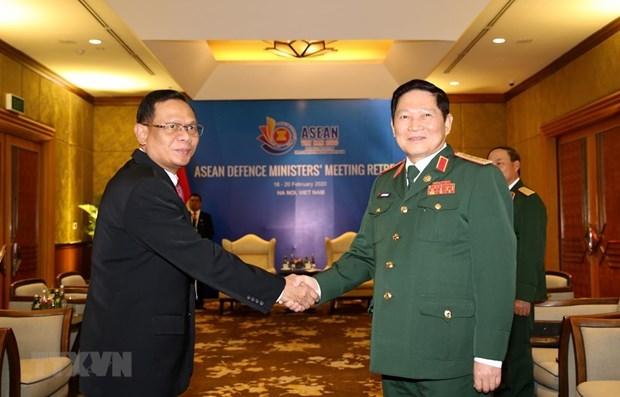 Le ministre de la Defense recoit un responsable de l'armee indonesienne hinh anh 1