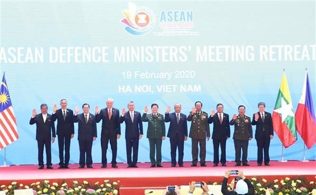 Les ministres de la Defense de l'ASEAN promeuvent les initiatives pratiques hinh anh 1