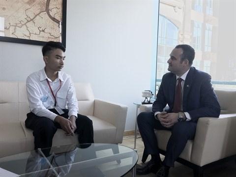 Ho Chi Minh-Ville : Un eleve de Vinschool devenu ''consul general du Canada d'un jour'' hinh anh 1