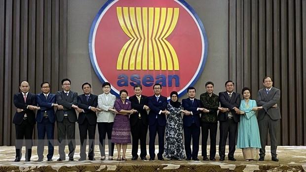 Le 3e concours et exposition de peinture graphique de l'ASEAN 2020 hinh anh 1