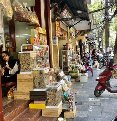 Visite guidee de Lan Ong, la rue de la pharmacopee orientale hinh anh 1