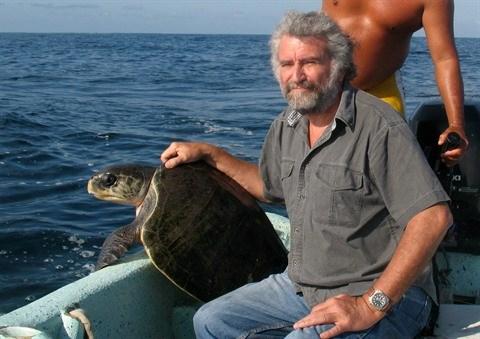 Un homme dedie aux tortues hinh anh 1