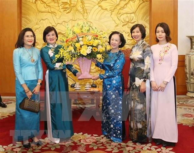Une responsable de la sensibilisation aupres des masses recoit une delegation de femmes de l'ASEAN hinh anh 1