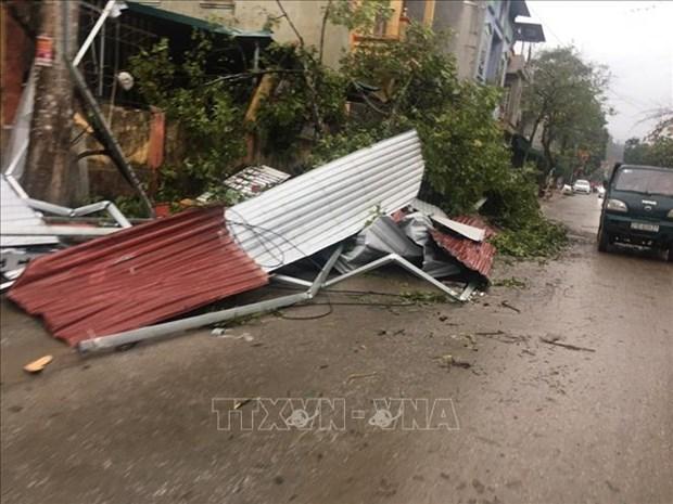 Les tourbillons et les tempetes de grele causent de graves dommages aux provinces du Nord hinh anh 1