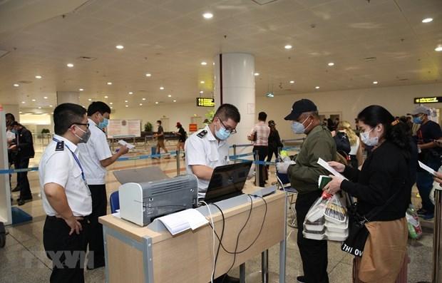 Le Vietnam informe l'itineraire en Europe d'un patient atteint du COVID-19 hinh anh 1