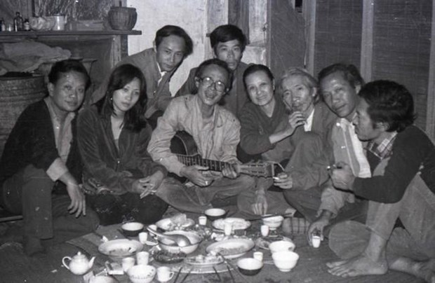 """""""Les personnes de l'ancien temps"""", chronologie des artistes vietnamiens du 20e siecle hinh anh 1"""