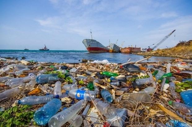 Khanh Hoa reduira de moitie ses dechets plastiques marins d'ici 2025 hinh anh 1