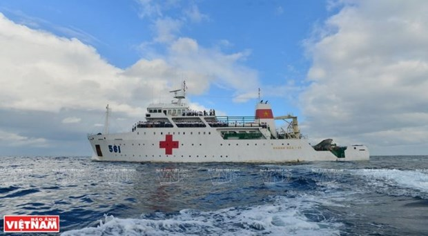 A bord du navire-hopital Khanh Hoa 01-HQ 561 hinh anh 1