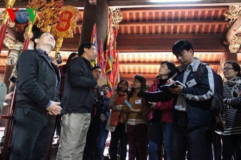 Le groupe Dinh lang Viet promeut le patrimoine vietnamien hinh anh 2
