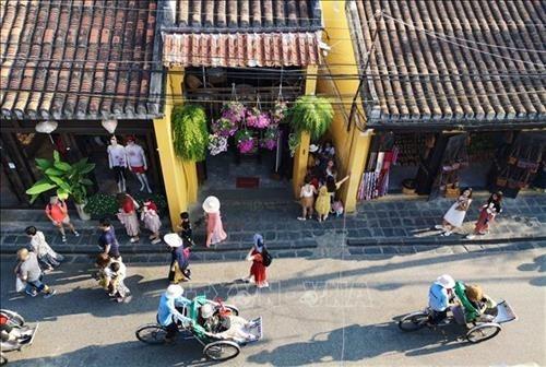 Lancement de mesures pour conserver le patrimoine mondial de Hoi An hinh anh 1