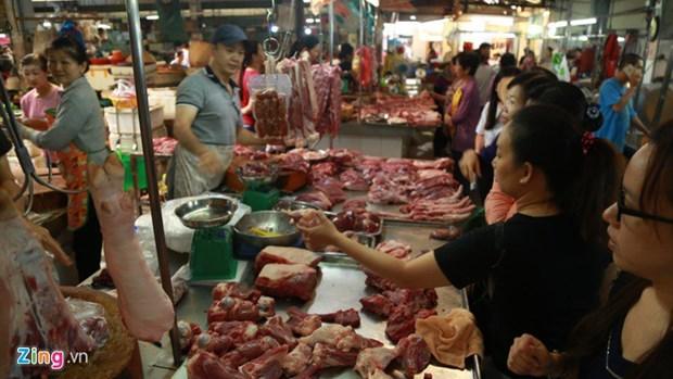 Le Premier ministre plaide pour une baisse du prix du porc hinh anh 1