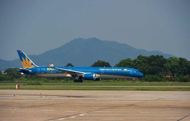 COVID-19 : Vietnam Airlines continue de transporter les passagers vietnamiens de retour d'Europe hinh anh 1