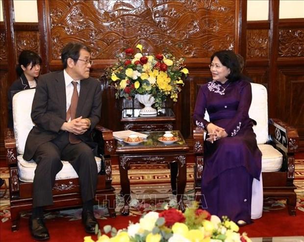 Des dirigeantes vietnamiennes recoivent l'ambassadeur japonais sortant hinh anh 2