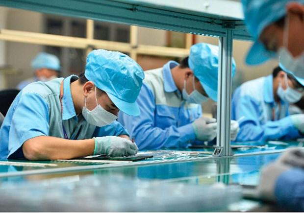 COVID-19: 9.000 employes de 22 provinces et villes sont impactes hinh anh 1
